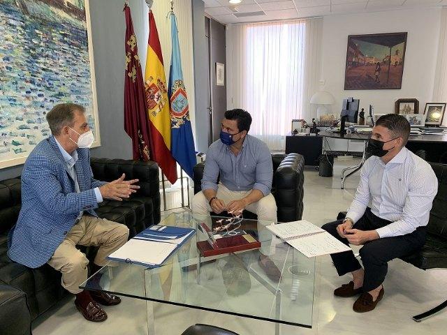 El alcalde recibe al reelegido presidente de la Entidad Urbanística Roda Golf - 1, Foto 1