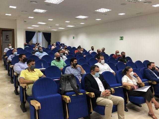 Los empresarios de la construcción de Lorca (UCECON) debaten sobre las ayudas a la rehabilitación de viviendas en su Asamblea General - 1, Foto 1