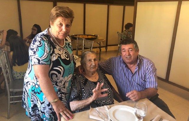 La familia de Juana Pérez Martínez rinde un homenaje al cumplir un siglo de vida y ser la XIII persona que supera los 100 años en el Municipio de Totana, Foto 5