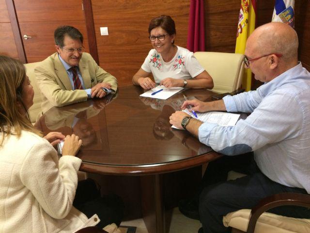Reunión de trabajo en Jumilla entre la alcaldesa y el consejero de Agricultura - 2, Foto 2