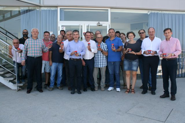"Regional and local authorities visit the farms and processing and marketing facilities of the Pimentón Pepper Producers' Association ""Valle del Guadalentín"" of Totana"
