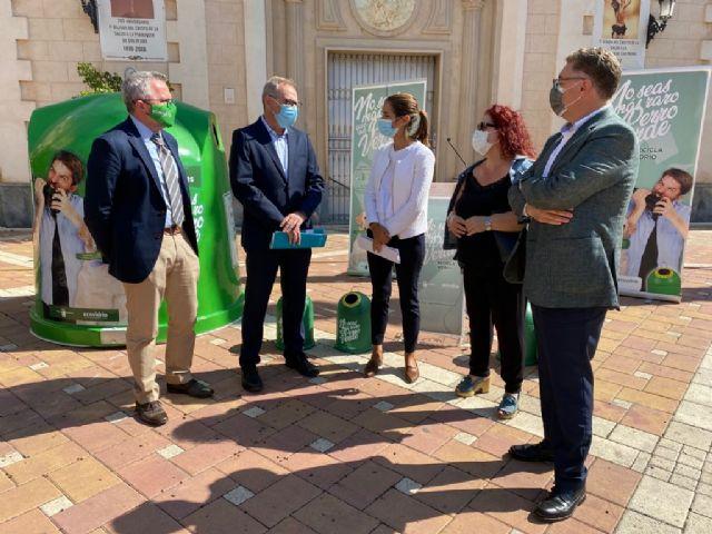 Murcia participa en una campaña en la que el municipio que más vidrio recicle ganará un hogar sostenible de mascotas hecho con contenedores en desuso - 1, Foto 1