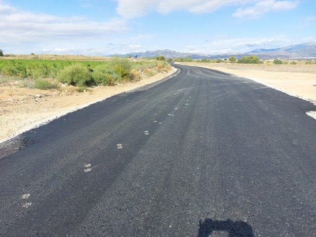 El Ayuntamiento acondiciona un tramo de 1,5 kilómetros del Camino de la Ceña de Juan Teresa, en la diputación del Raiguero Bajo; con fondos autonómicos