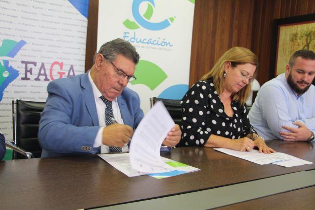 Ayuntamiento y FAGA renuevan por séptimo curso consecutivo el programa de refuerzo educativo Edukalo - 1, Foto 1