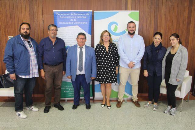 Ayuntamiento y FAGA renuevan por séptimo curso consecutivo el programa de refuerzo educativo Edukalo - 2, Foto 2