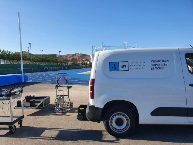 El Instituto de Biomecánica de Valencia certifica la idoneidad de la pista de atletismo de Puerto Lumbreras para la práctica de este deporte - 1, Foto 1