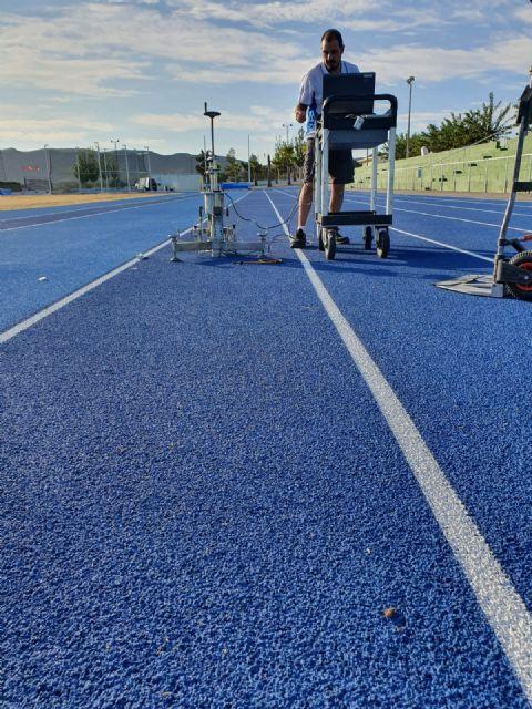 El Instituto de Biomecánica de Valencia certifica la idoneidad de la pista de atletismo de Puerto Lumbreras para la práctica de este deporte - 3, Foto 3