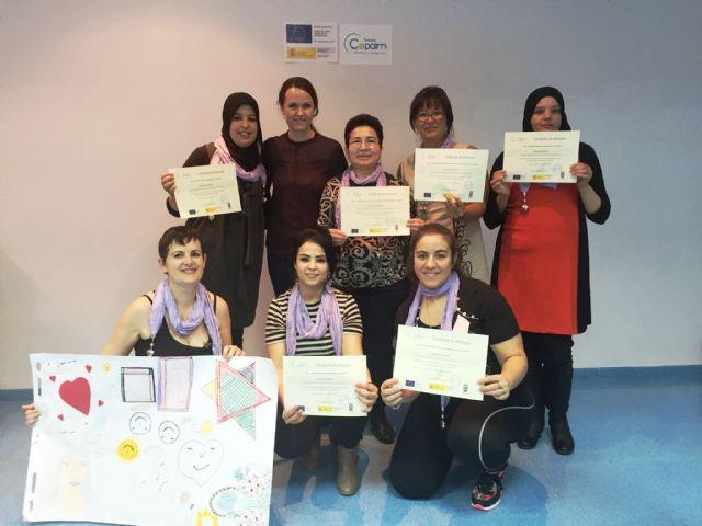 Clausura del taller de empoderamiento dirigido a mujeres extracomunitarias, Foto 2