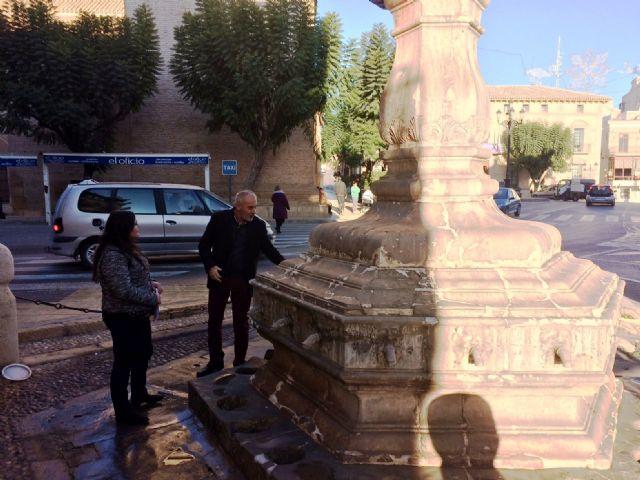 Las obras de restauración de la fuente Juan de Uzeta contemplan una actuación integral en el monumento y en su entorno arquitectónico