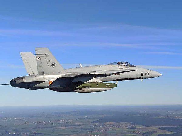 El Centro Logístico de la base aérea de Torrejón (Madrid) Experimenta en Alemania el misil Taurus en F-18 - 1, Foto 1