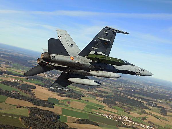 El Centro Logístico de la base aérea de Torrejón (Madrid) Experimenta en Alemania el misil Taurus en F-18 - 2, Foto 2