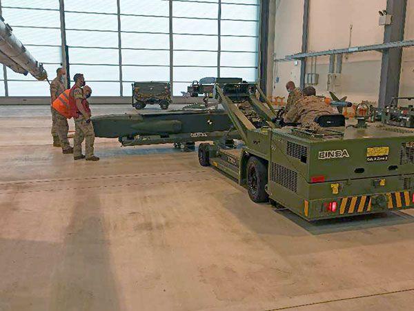 El Centro Logístico de la base aérea de Torrejón (Madrid) Experimenta en Alemania el misil Taurus en F-18 - 4, Foto 4