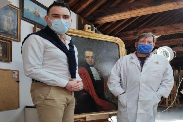 El taller Municipal de Restauración recupera el retrato del médico cartagenero Benigno Risueño de Amador - 1, Foto 1