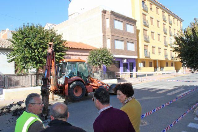 El Ayuntamiento ejecuta obras de mejora en la red de saneamiento que conecta la avenida Almería y calle Camino Real - 2, Foto 2