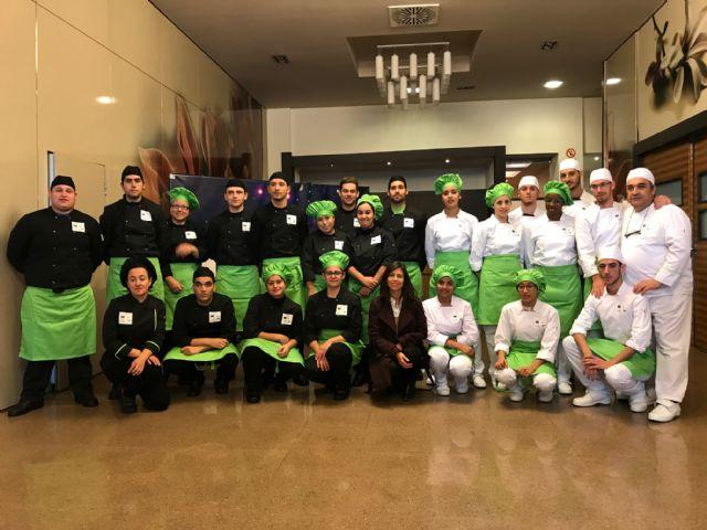 23 jóvenes se forman para ser cocineros y reposteros - 1, Foto 1