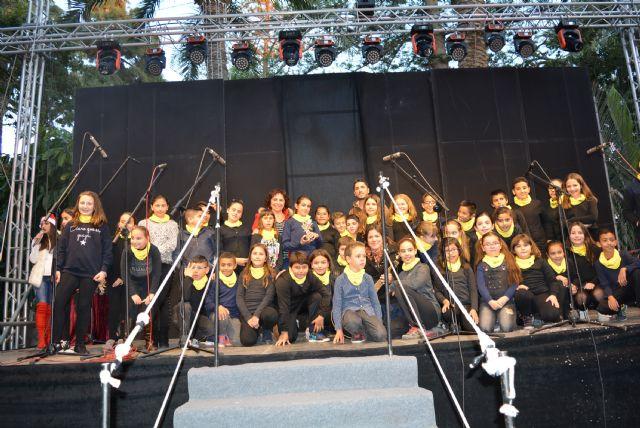 Los escolares aguileños vuelven a dar voz a la Navidad en el tradicional Certamen de Villancicos - 3, Foto 3