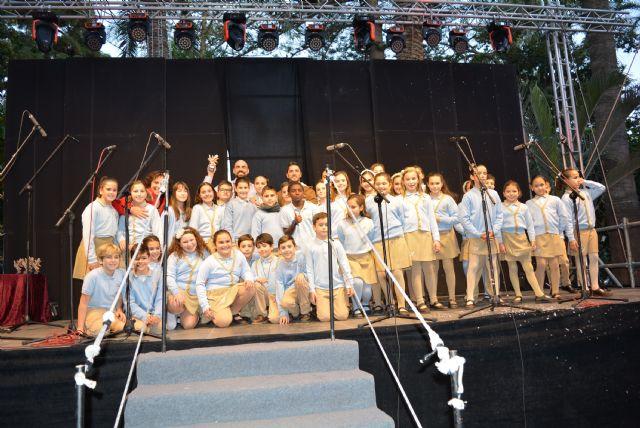 Los escolares aguileños vuelven a dar voz a la Navidad en el tradicional Certamen de Villancicos - 4, Foto 4
