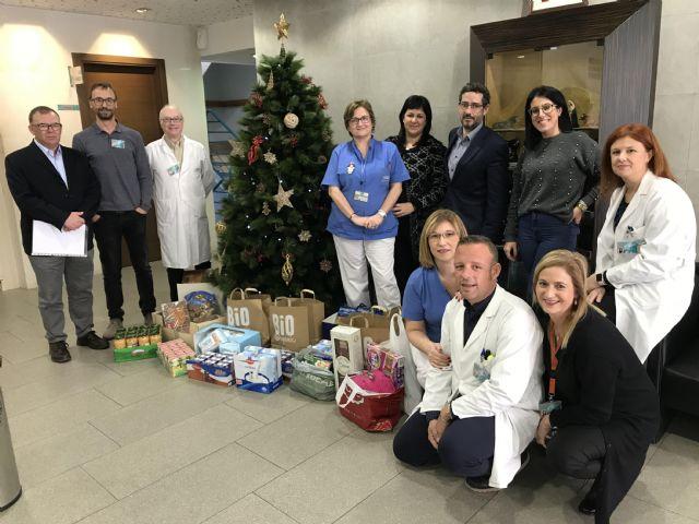 El Hospital de Molina entrega 150 kgs. de comida a Cáritas - 1, Foto 1