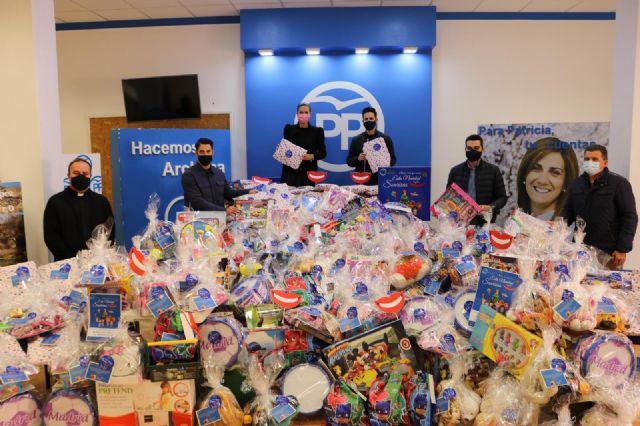 Nuevas Generaciones de Archena recoge más de 3.000 juguetes en su campaña solidaria - 1, Foto 1