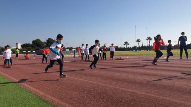 Los atletas del Vive Cieza confraternizan con sus compañeros de San Javier - 1, Foto 1