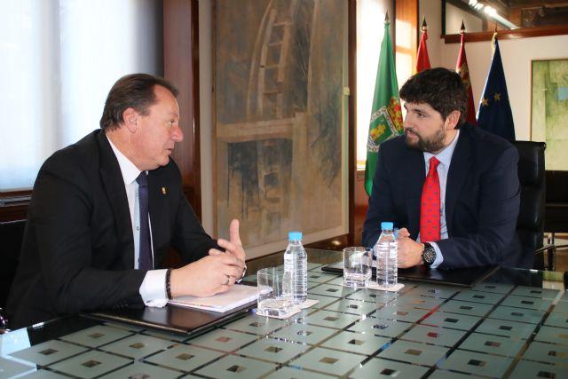 El presidente Fernando López Miras recibe al alcalde de Ceutí - 1, Foto 1