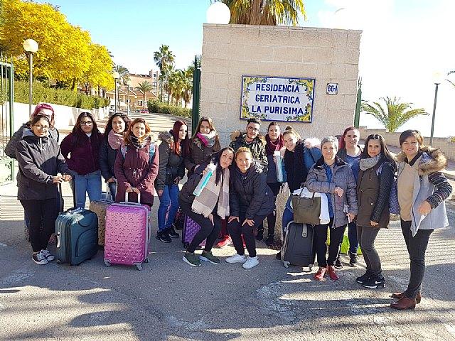 The 2nd Grade Hairdressing students of IES Prado Mayor visit the Residence of Â«La Purísima»