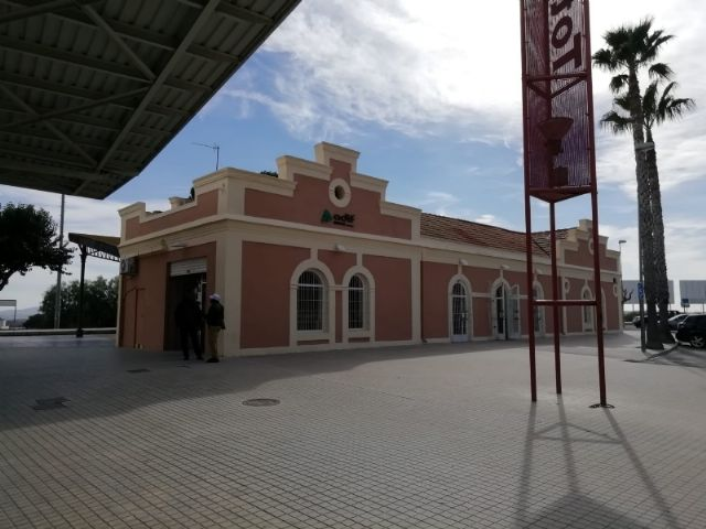 The railway suspension of the Cercanías Murcia-Lorca will continue until February 28