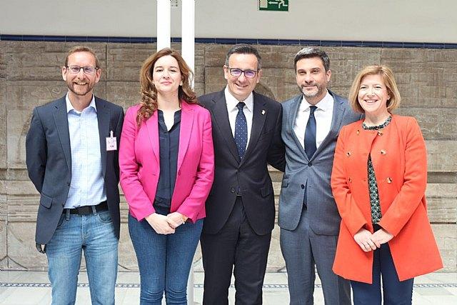 El PSOE de Totana celebra la aprobación de la Ley de Gratuidad de Libros de Texto aprobada hoy en la Asamblea Regional, Foto 1