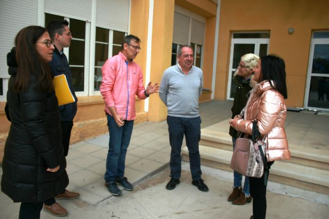 "The General Directorate of Educational Centers is committed to carrying out the projects of thermal conditioning and waterproofing of the ""Santiago"" and ""Santa Eulalia"" schools"