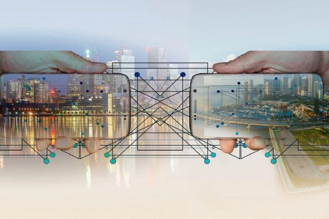 Del esquirolaje tecnológico a la tributación de los robots, expertos multidisciplinares debaten los cambios laborales de la Industria 4.0 - 1, Foto 1