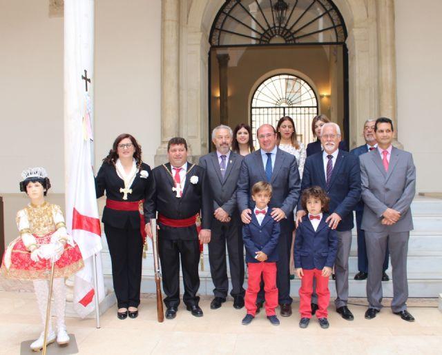 Pedro Antonio Sánchez muestra el respaldo de la Comunidad a que las fiestas de Abanilla sean declaradas de Interés Turístico Nacional - 3, Foto 3