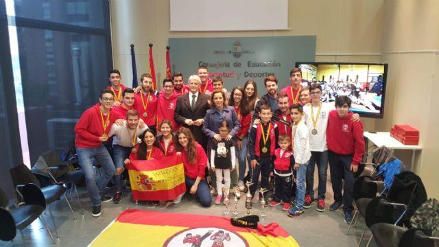 La consejera Martínez-Cachá recibe a los integrantes del Club Warriors de Mula - 1, Foto 1