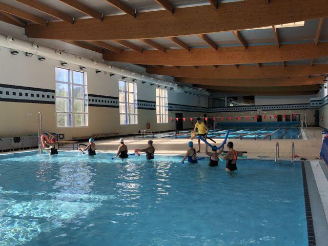 La piscina municipal climatizada acogerá clases de hidroterapia para pacientes con daño cerebral adquirido - 1, Foto 1
