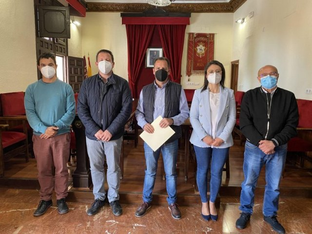 El Ayuntamiento de Mula renueva el convenio de colaboración con la Asociación de Tamboristas - 1, Foto 1