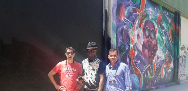 El artista internacional Mederic Turay empieza su obra en el pabellón de Santa María de Gracia - 1, Foto 1