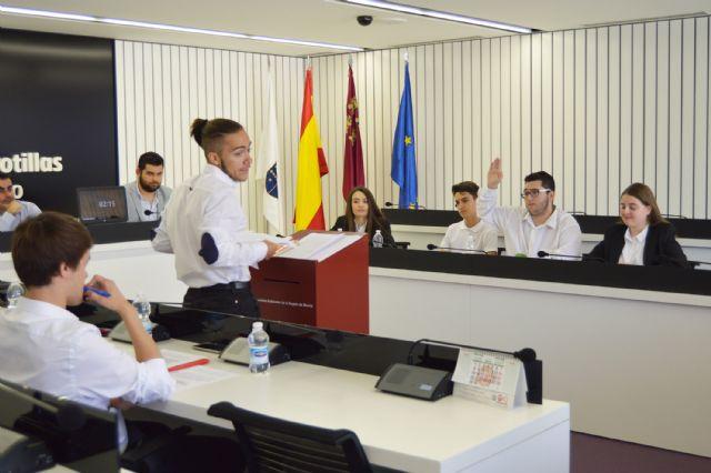Los alumnos del IES Salvador Sandoval se forman como especialistas de debate - 2, Foto 2