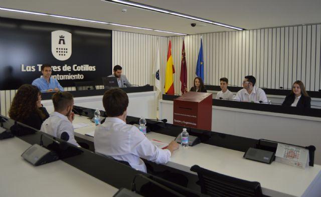 Los alumnos del IES Salvador Sandoval se forman como especialistas de debate - 3, Foto 3