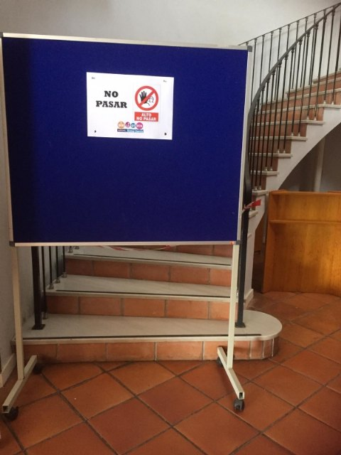 The municipal library enables, as of Monday, an exclusive service for the return of books on the ground floor of La Cárcel, Foto 3