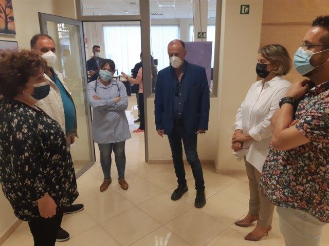 [Autoridades locales asisten al acto de inauguración del nuevo Centro de la Fundación Cepaim Convivencia y Cohesión Social, en el barrio de Triptolemos