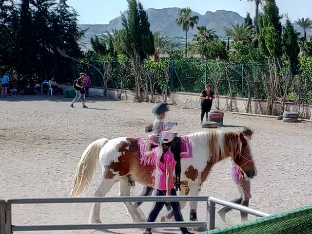 Terapia con caballos para estimular el desarrollo infantil, Foto 5