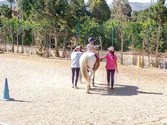 Terapia con caballos para estimular el desarrollo infantil, Foto 8