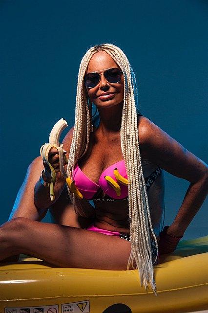 La diva de los gais Leticia Sabater estrena nueva canción, La Bananakiki - 4, Foto 4