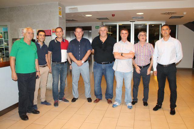 El Concejal Fulgencio García clausura el curso federado de entrenadores de fútbol que se ha celebrado en Archena - 1, Foto 1