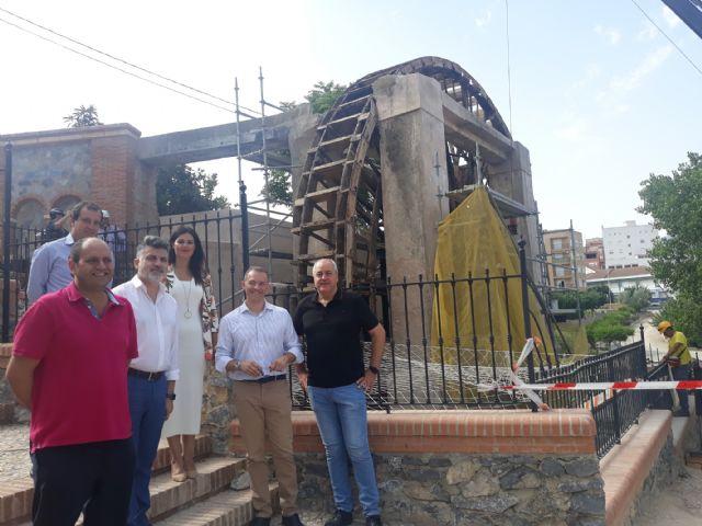 La consejera de Turismo y Cultura en funciones visita las obras de restauración de la Noria Grande de Abarán - 1, Foto 1