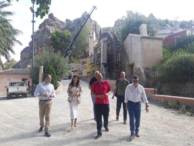 La consejera de Turismo y Cultura en funciones visita las obras de restauración de la Noria Grande de Abarán - 2, Foto 2