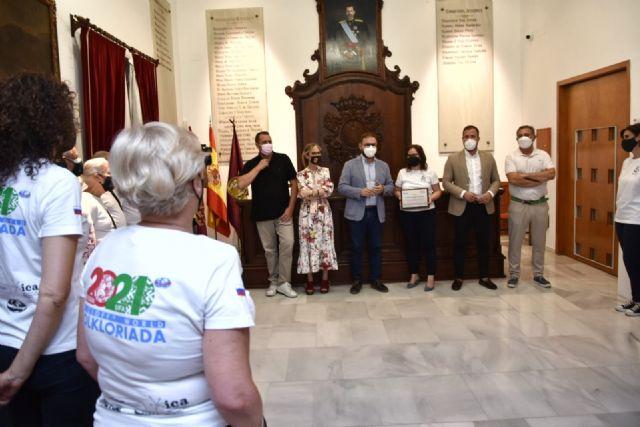 Miembros de la Corporación Municipal reciben a los integrantes del Grupo Coros y Danzas de Lorca que han participado en Rusia en la VI Folkloriada Mundial del CIOFF - 1, Foto 1