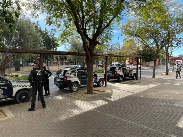 La Policía Local de Lorca detiene a una mujer sobre la que pesaba una orden de detención en vigor procedente de un Juzgado de Murcia - 1, Foto 1