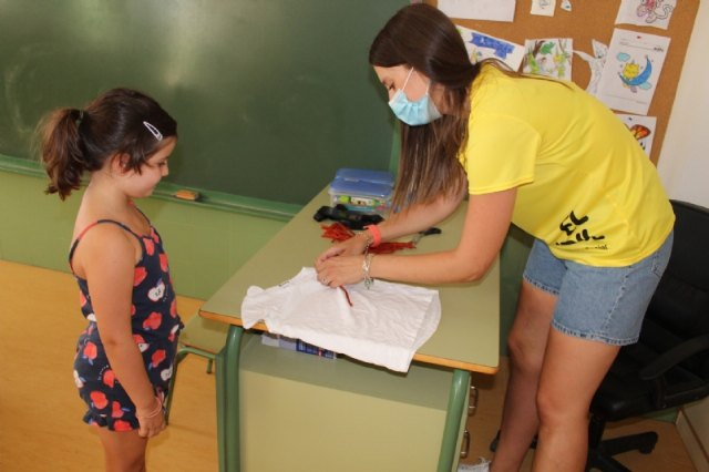 """Éxito de la Escuela Municipal de Verano, que celebra el Colectivo """"El Candil"""", que reunirá a unos 60 niños y niñas en cada turno estival, Foto 4"""