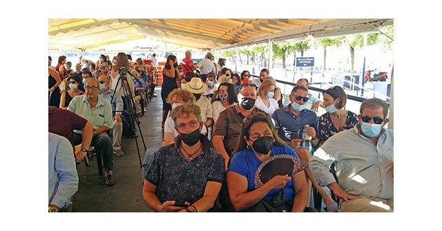 El día de la Virgen del Carmen, los socios e invitado del Ateneo de Triana navegaron por el Guadalquivir al son de la Banda Municipal de Jabugo - 3, Foto 3