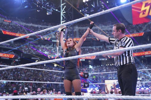 ¡Épico! John Cena vuelve a la WWE ante el delirio del público - 2, Foto 2